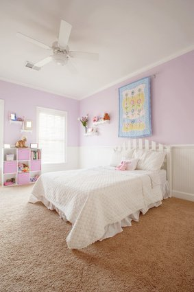 Organized kids' bedroom